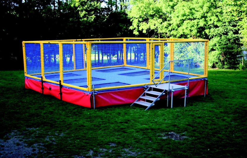 6 Bed Trampoline hire