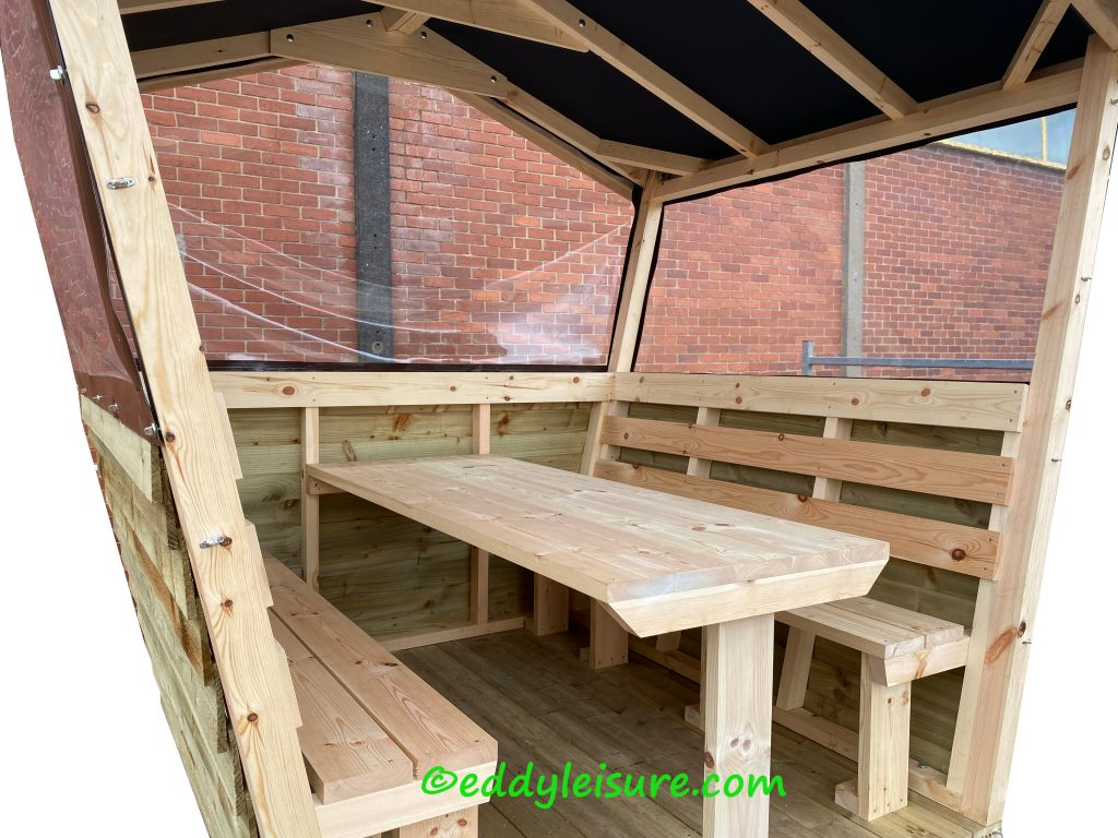 outdoor dining pods